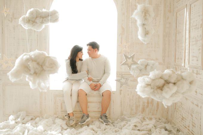 PRE - WEDDING SAMUEL & MERISA BY HENOKH WIRANEGARA by All Seasons Photo - 040
