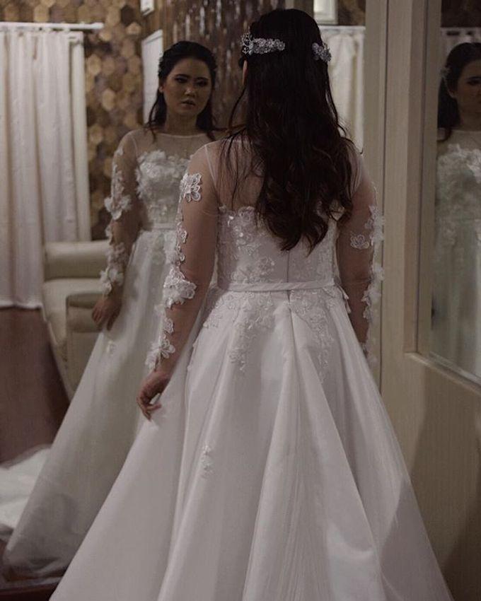 WEDDING OF DANIE AND CARLA SHERLITA by VEZZO STUDIO by Christie Basil - 011