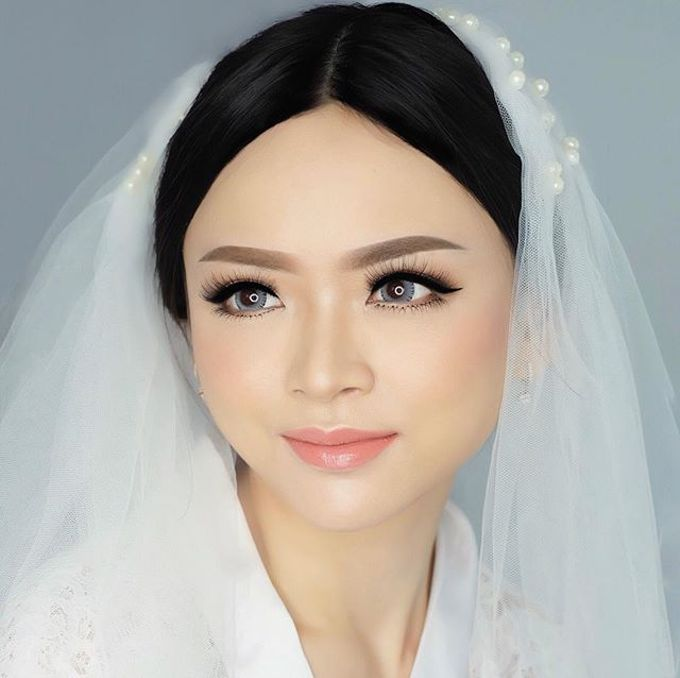 Ms. Dewita by GNA Makeup - 001