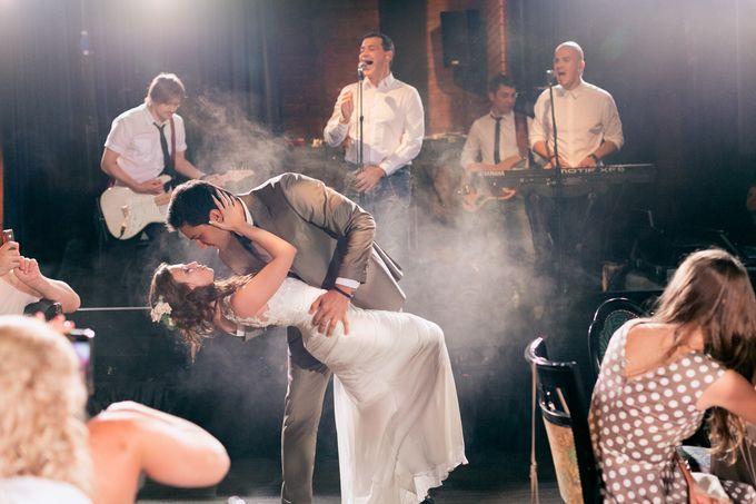 Loft wedding for Jank and Anna by BMWedding - 040