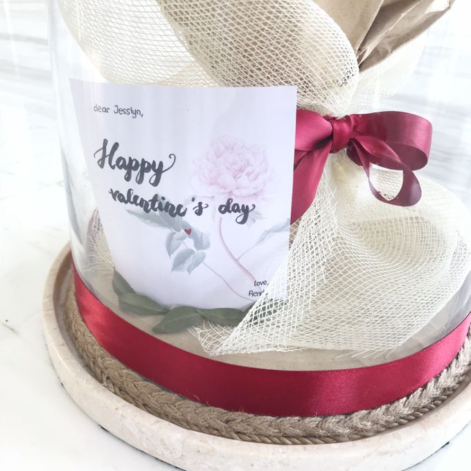 Dome Valentines day Bouquet by CONSERVÉ FLOWER PRESERVATION - 002