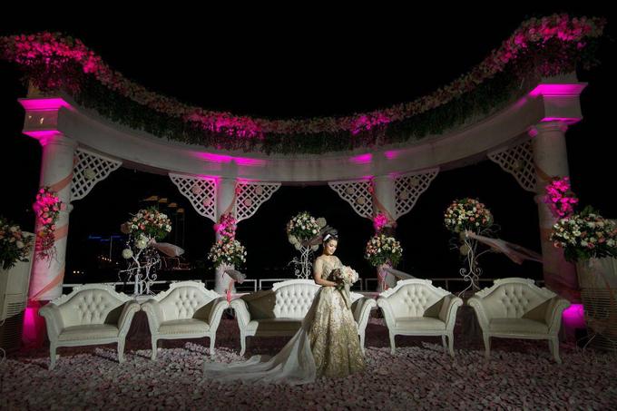 Wedding of Devi & Rheza Recepction by Arthaniaxpink - 004