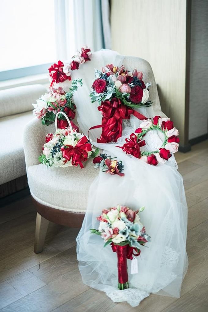 Entourage Flowers by Natural Art Flowers and Decors - 021