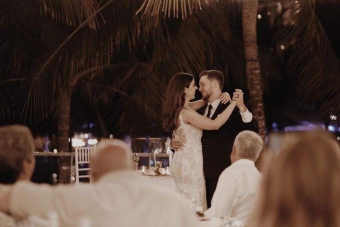 Mindy & Cameron Wedding at W Hotel Bali by AKSA Creative - 046