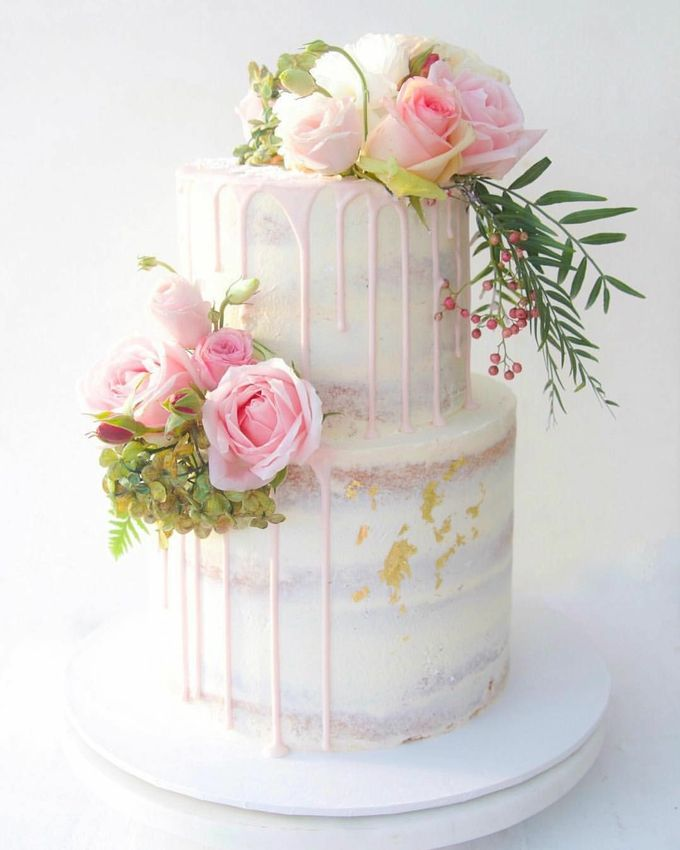 Tiers Cake by FIOR FIORE Patisserie - 001