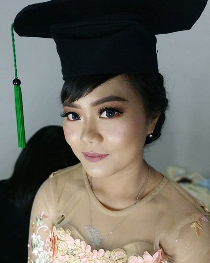 Graduation Makeup by Desy Lestari Makeup - 008