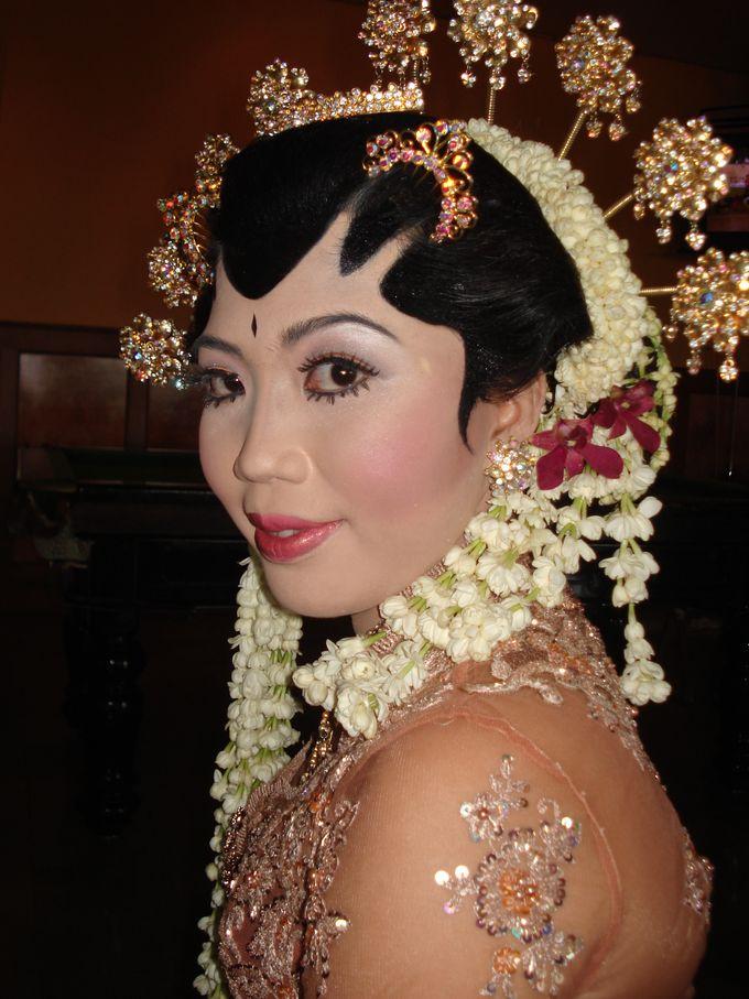Make Up Pengantin Solo Putri & Basahan by Arum Ndalu Sanggar Rias Pengantin - 003