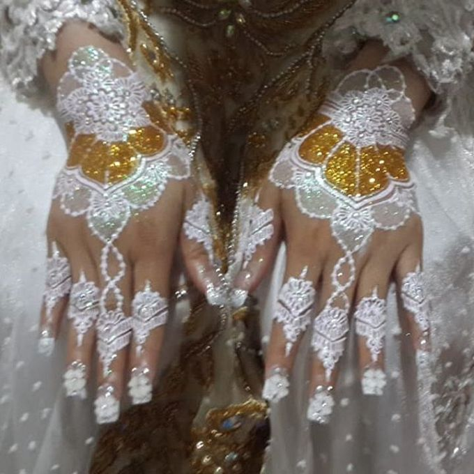 White Henna by Ikkie henna art - 001