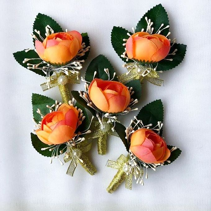 Family Boutonnieres by ladybug florist - 008