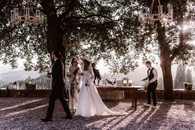 Alternative Wedding in Tenuta Mocajo in Tuscany  Italy by Fotomagoria - 039