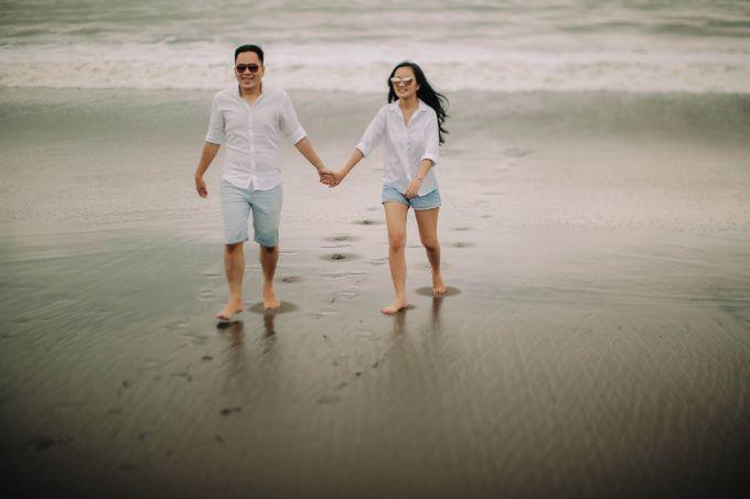 PRE - WEDDING DANIEL & KARINA BY HENOKH WIRANEGARA by All Seasons Photo - 045