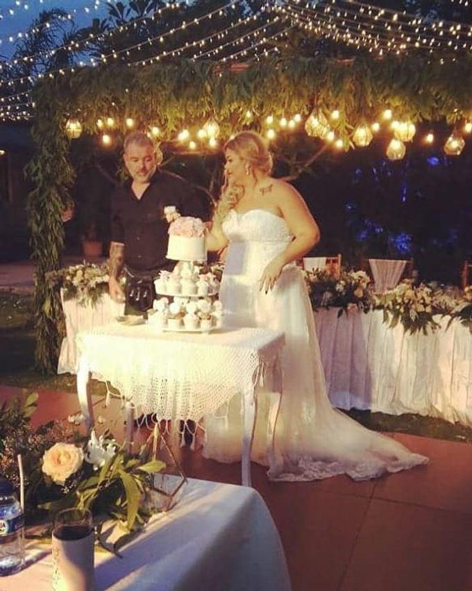 The Wedding Cake Of Kirk & Samantha by Florenca Bali Florist - 001