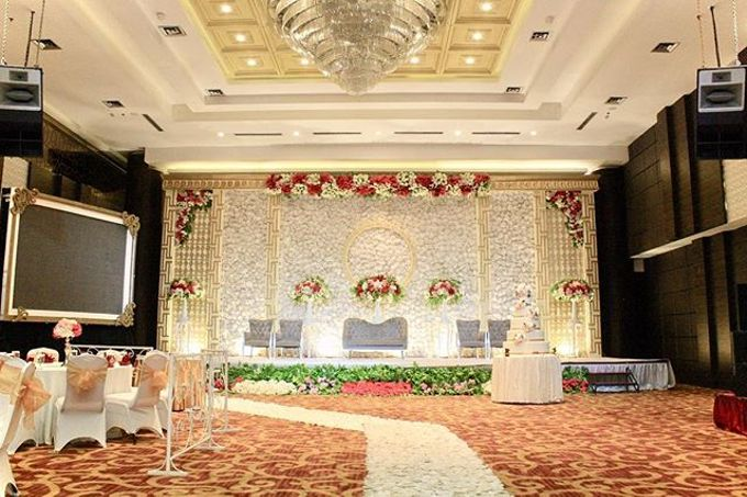 Adrian & Felicia Whiz Prime Hotel by indodecor - 003