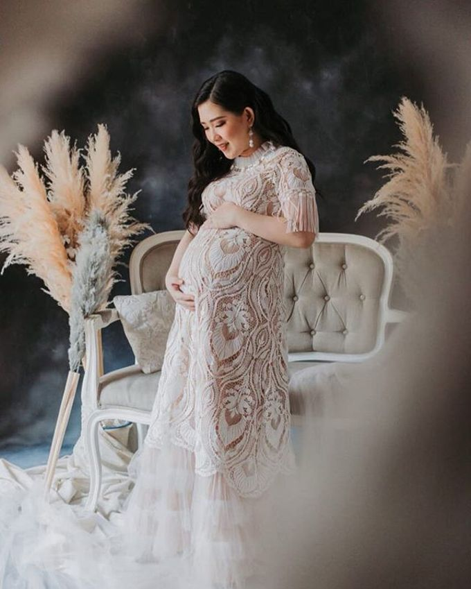 Maternity Photoshoot by Berta Chandra Couture - 003