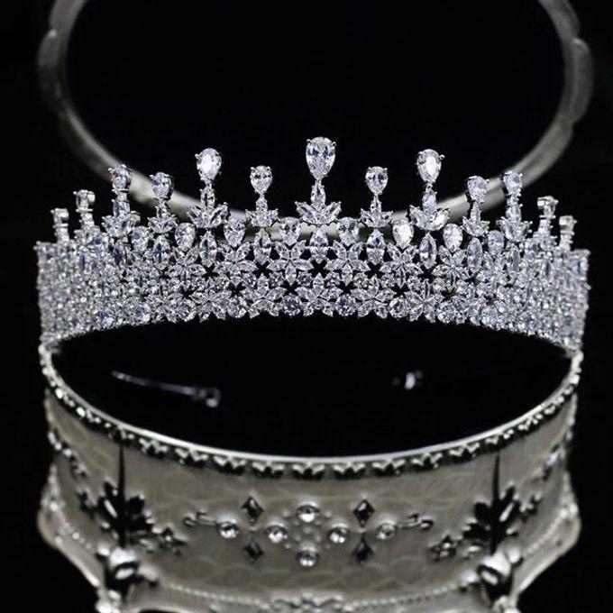 Headpiece & Crown by Ilona Headpiece & Crown - 027