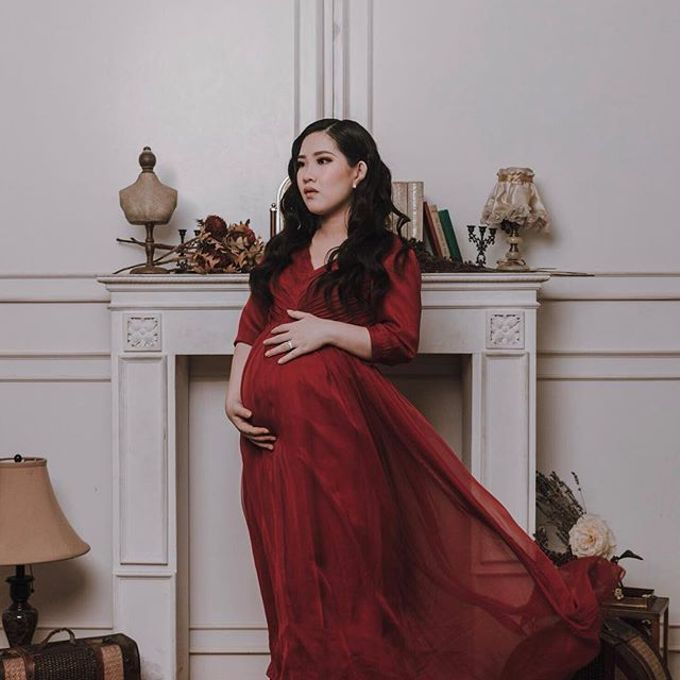 Maternity Photoshoot by Berta Chandra Couture - 001