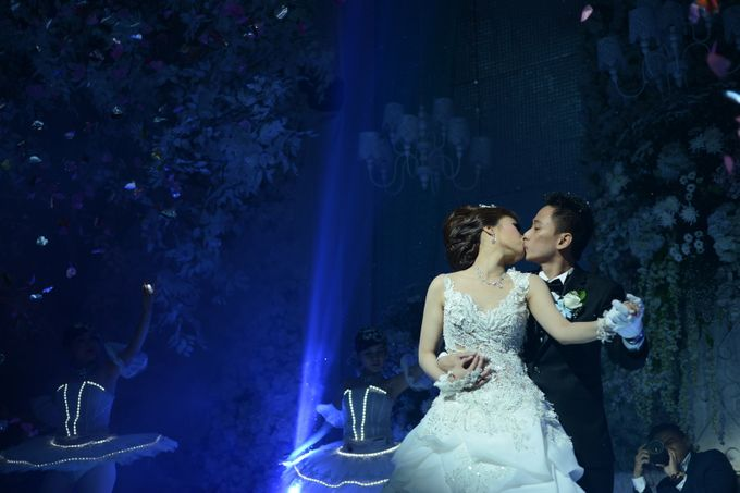 Adi & Aprilia Wedding Day by Overdream Production - 008