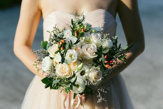 Moon Bridal by Royal Blooms - 001
