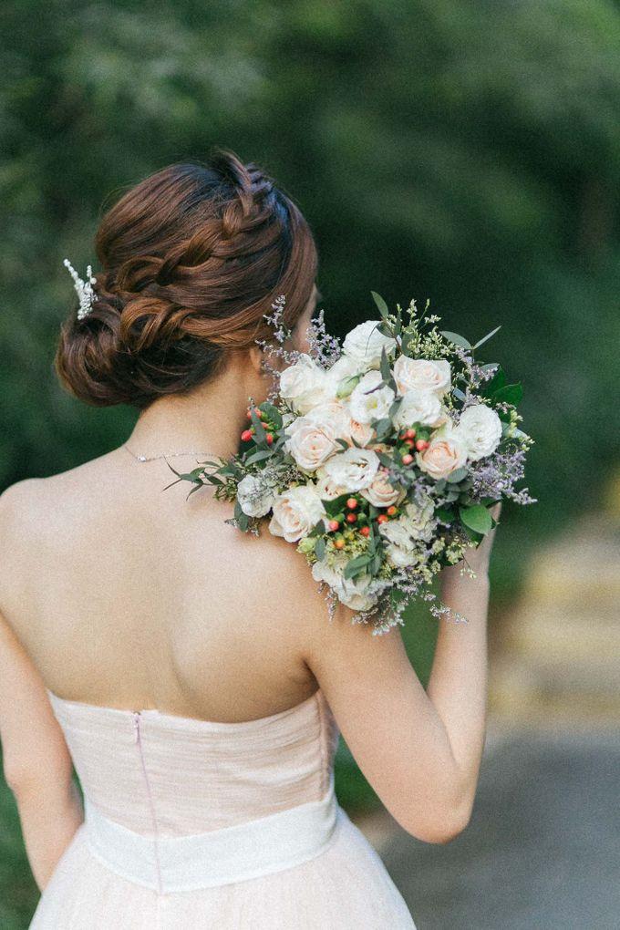 Moon Bridal by Royal Blooms - 003