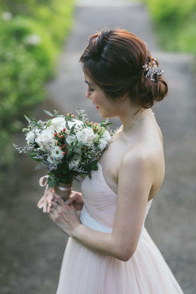 Moon Bridal by Royal Blooms - 005