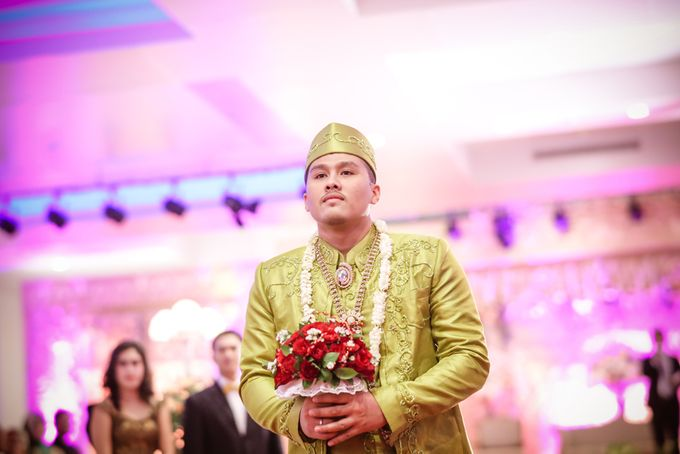 wedding kartika-adel by behind the scenes photography - 002