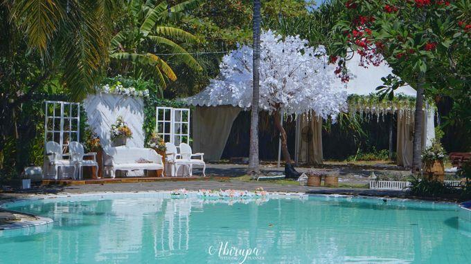 Poolside Wedding Party of Elvira & Irfan by Abirupa Wedding Planner - 030