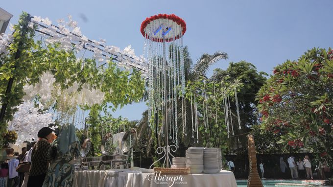 Poolside Wedding Party of Elvira & Irfan by Abirupa Wedding Planner - 033