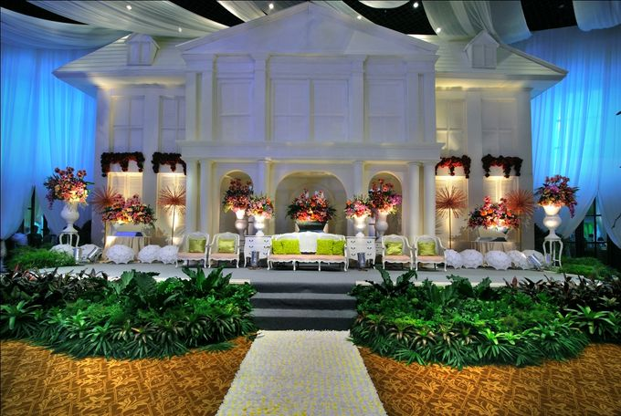 Beautiful Wedding Light of Nurina & Kenny by Etcetera Lighting - 002