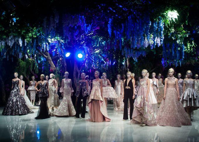 Fashion Show Sebastian Gunawan A Mid Summer Night Dream by Etcetera Lighting - 002