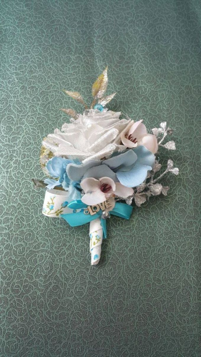 ENCHANTED WEDDING BOUQUET by LUX floral design - 010