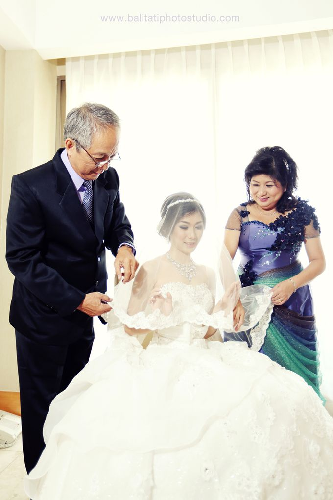 The Wedding of Ivan & Indah by Tati Photo - 016