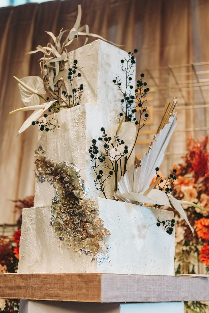 This Wedding is made intimate but not just that, every single details made personal to the bride and groom. In the midst of the pandemic, we understan by KAIA Cakes & Co. - 009