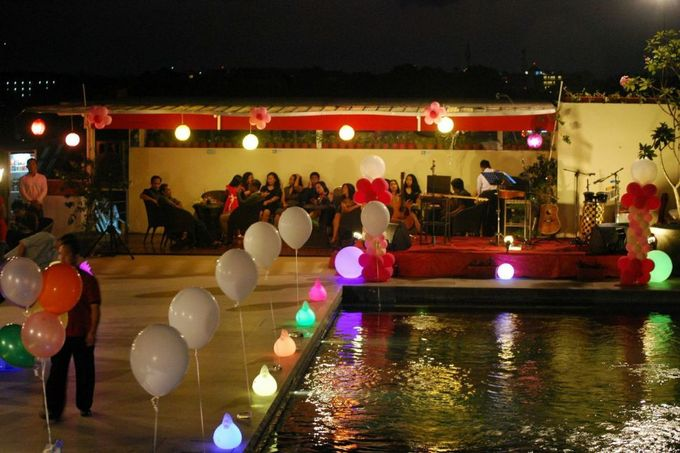 Party at rooftop by The Atanaya Hotel - 003