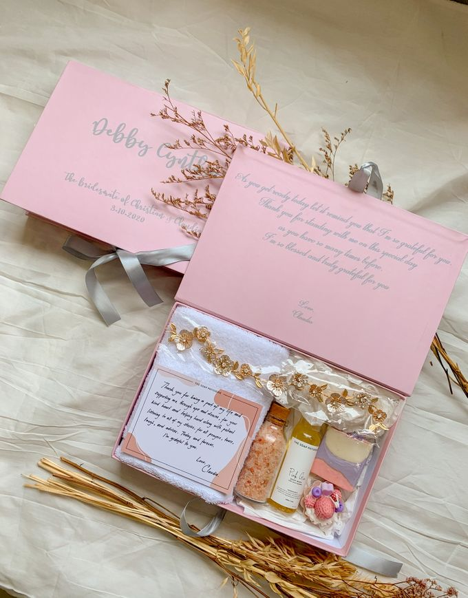 Bridesmaid and Groomsmen Gift Boxes for Christian & Claudia by The Soap Patisserie - 001