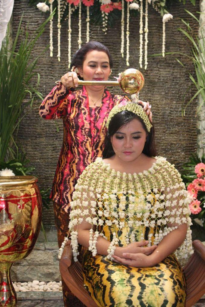 Siraman Tika (22 Agustus 2014) by Arum Ndalu Sanggar Rias Pengantin - 005