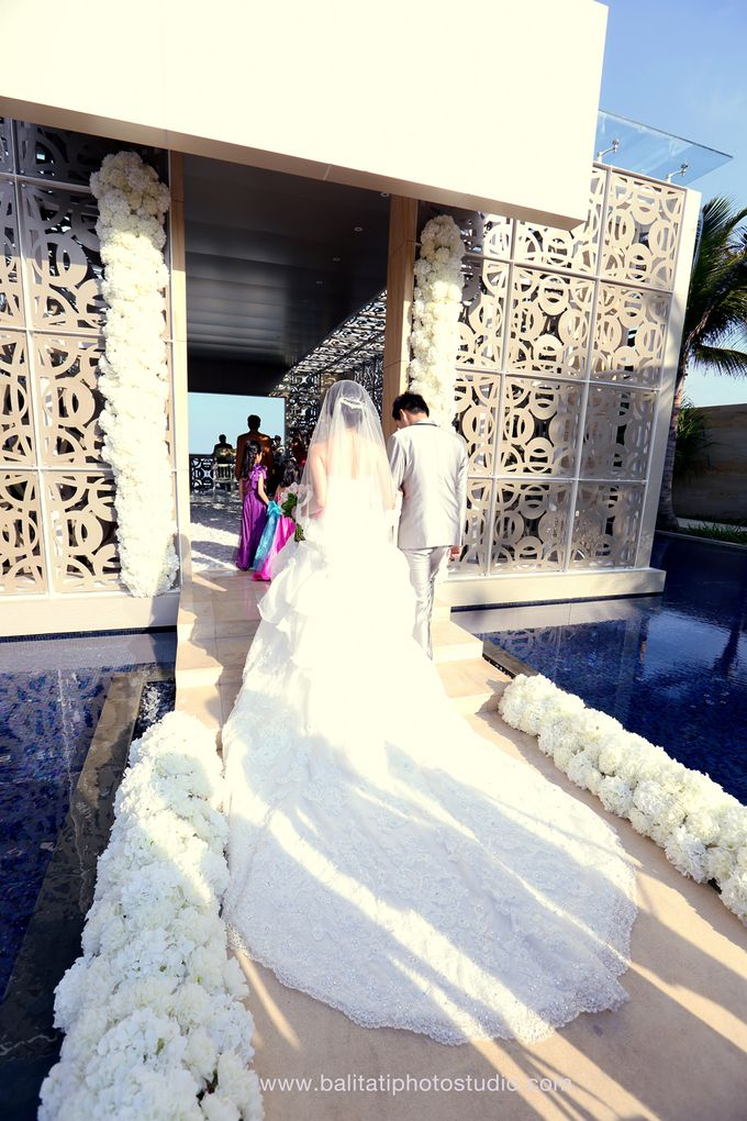 The Wedding of Ivan & Indah by Tati Photo - 025