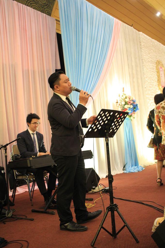 MC Wedding Prisma Ballroom Jakarta - Anthony Stevven by Tracy Bridal House - 004