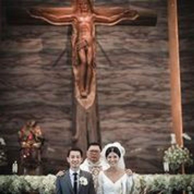 The Wedding Of Rheinaldy & Caroline by Hilda by Bridestory - 006