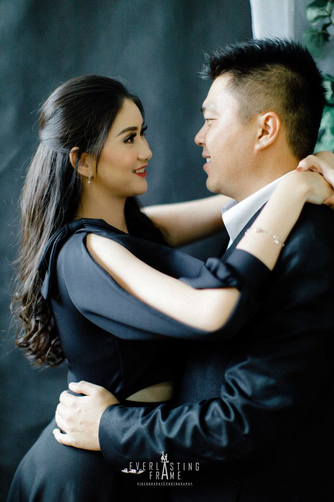 Kris & Caca Photo Studio by Everlasting Frame - 009
