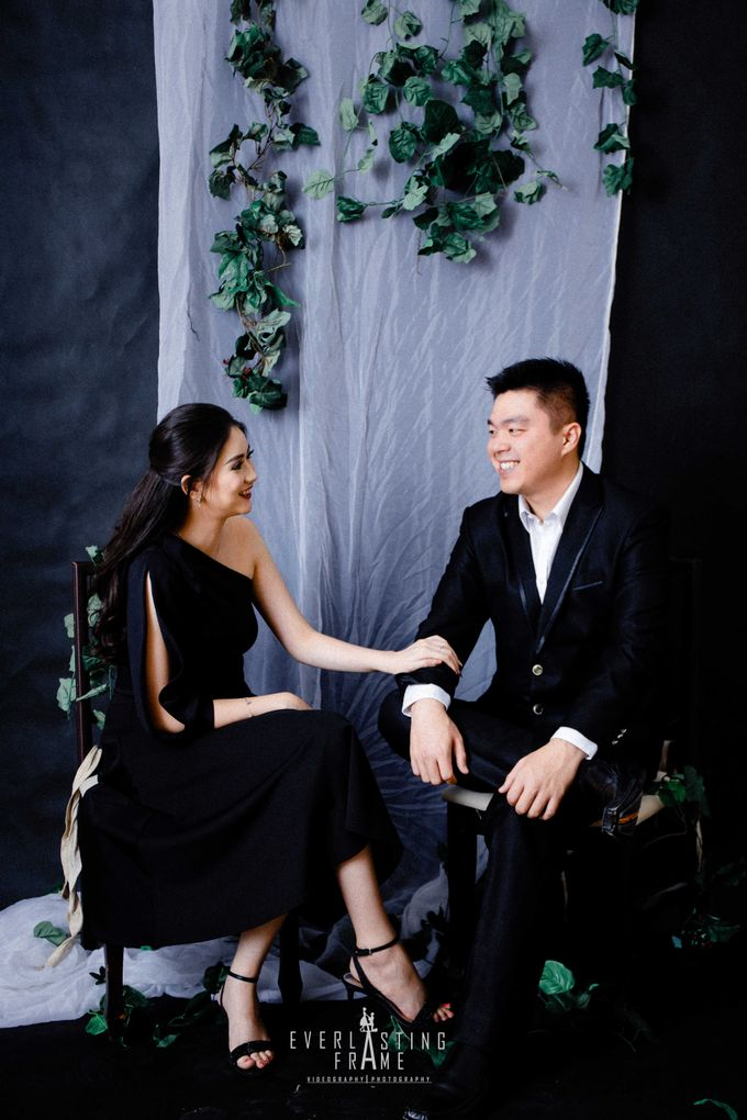 Kris & Caca Photo Studio by Everlasting Frame - 018