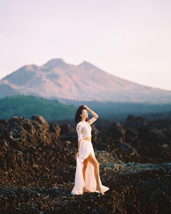 Bohemian Rustic Bride by Arta Photo - 006