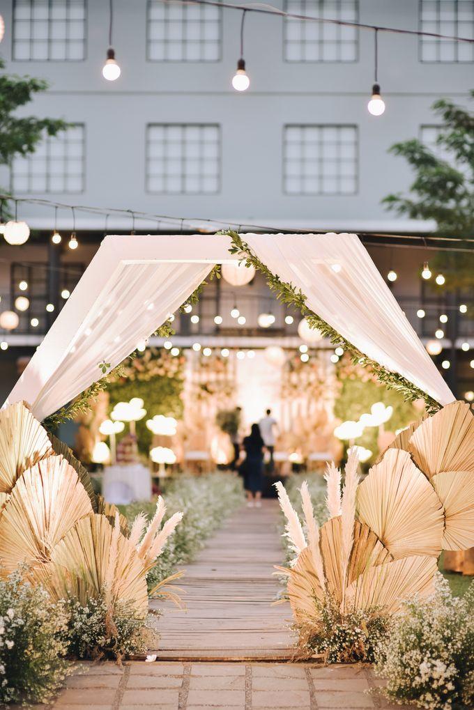 The Wedding of Fira & Jordan by Elior Design - 029