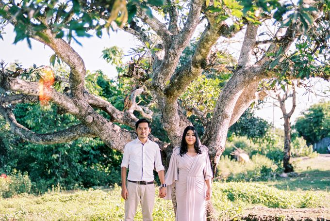 Rian & Kiki Engagement by Arta Photo - 007