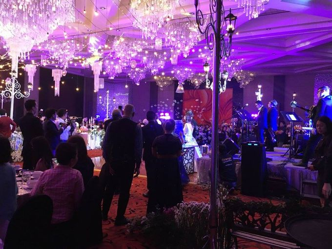 Paul and Robyn Wedding at Sofitel Manila Grand Ballroom by Orange Lights and Sounds Inc. - 005