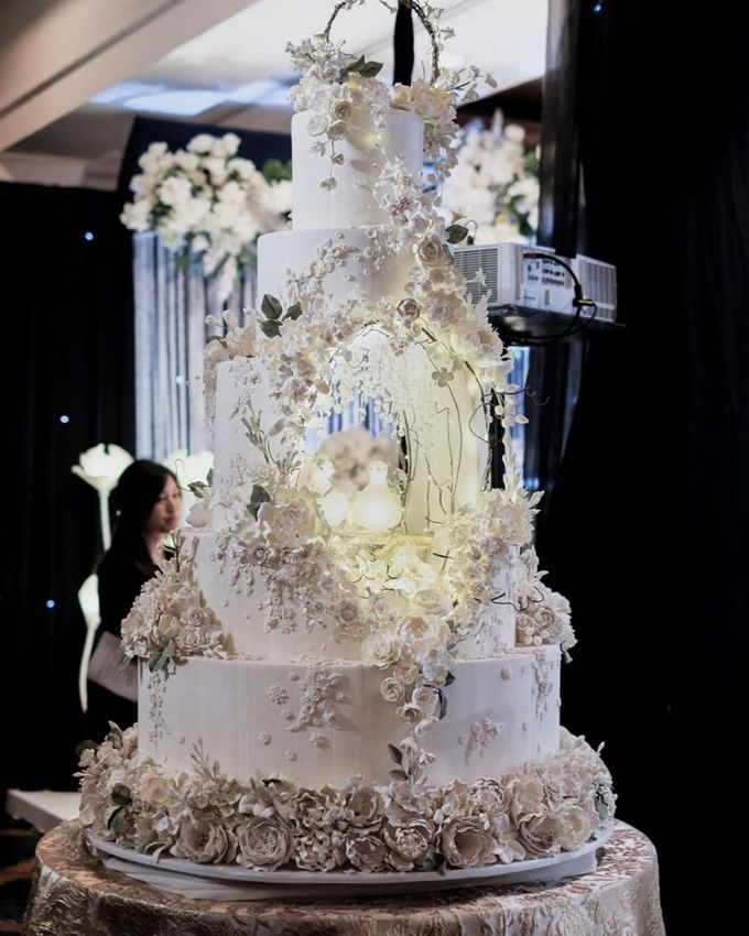 5 & 6 Tiers Wedding Cake by LeNovelle Cake - 006