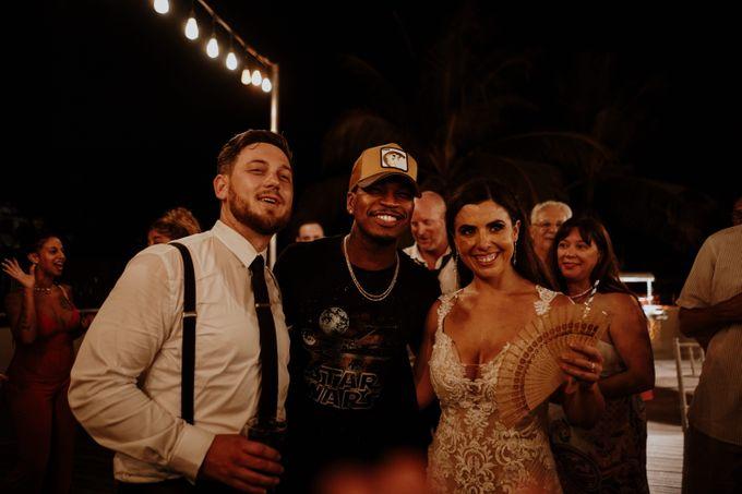 Mindy & Cameron Wedding at W Hotel Bali by AKSA Creative - 050