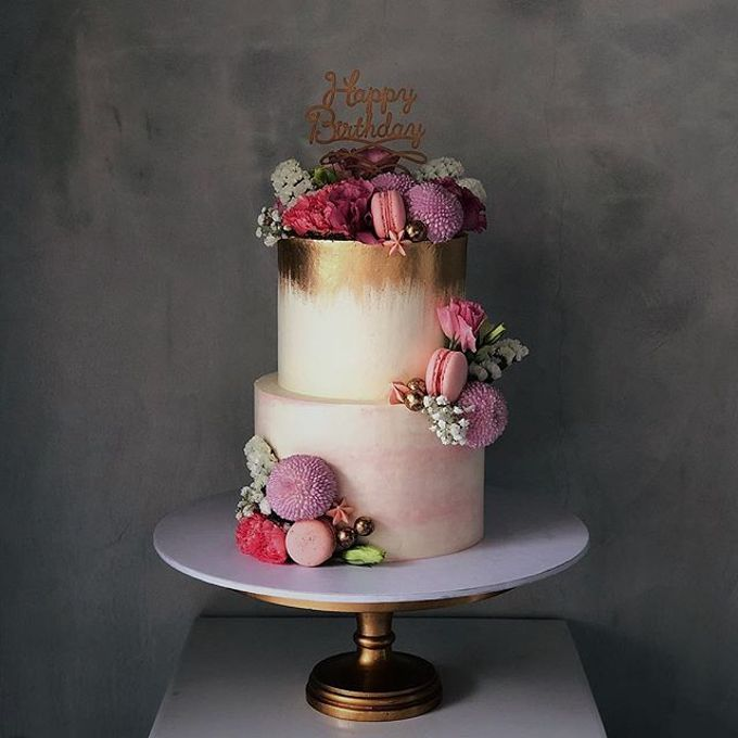 Tiered and Wedding Cakes 2019 by Nana Cake Boutique - 015