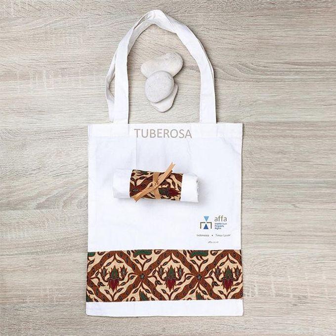 Tote bags by Tuberosa Souvenir - 006