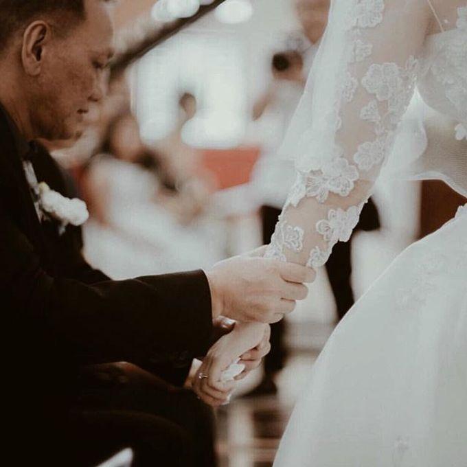 WEDDING OF DANIE AND CARLA SHERLITA by VEZZO STUDIO by Christie Basil - 004