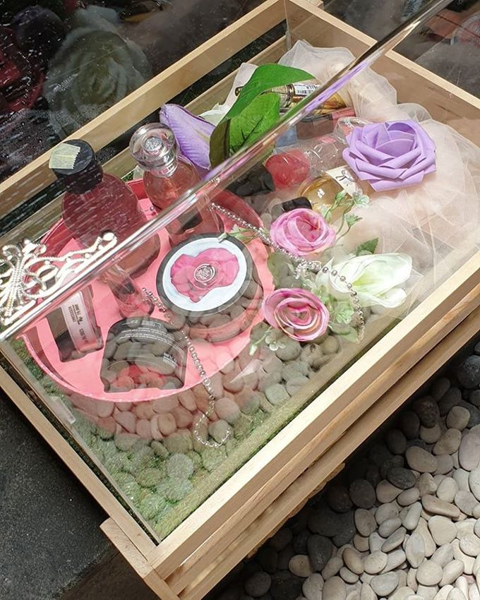 Rustic Tray - wooden by Freesia Seserahan - 004